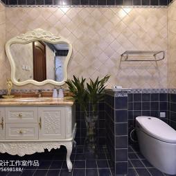 美式格调复式卫浴装修