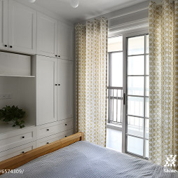 北欧风格嵌入式衣柜设计