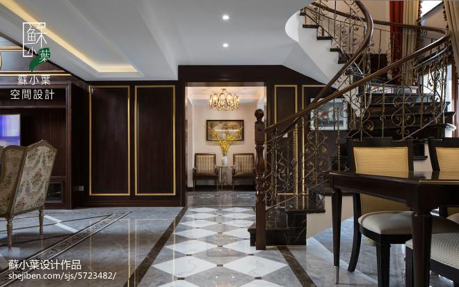 奢华美式楼梯装修