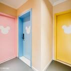 工装主题酒店创意房门设计