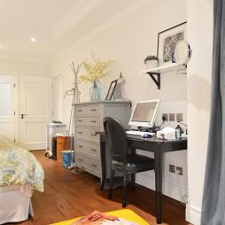 美式格调卧室小书房设计