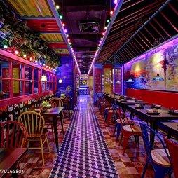 肉蟹煲主题餐厅过道设计