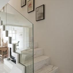 日式风格白色楼梯设计