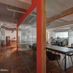 台北M办公室隔断装修案例