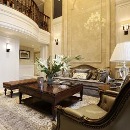 华丽欧式风格客厅装修案例
