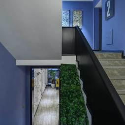 青年旅社楼梯装修