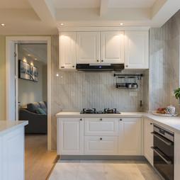 白色北欧风格橱柜设计