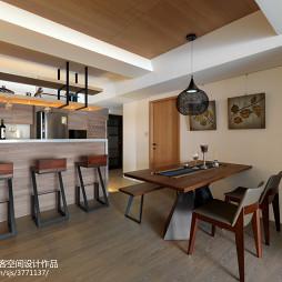现代风格原木餐厅装修