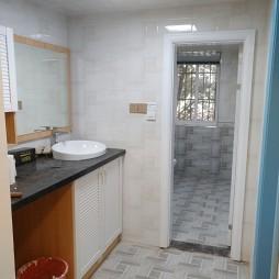 简约风格二居室卫浴装修