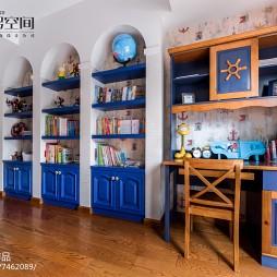 蓝色地中海风格书架装修