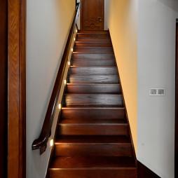 美式风格木质楼梯设计