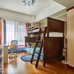 现代风格儿童房上下床设计