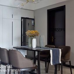 现代风格餐厅放冰箱