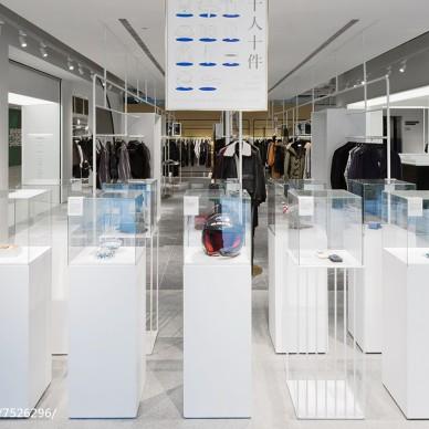 服装店玻璃展示柜设计