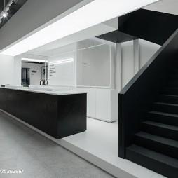 购物专卖店楼梯设计