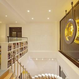 言几又书店楼梯装修