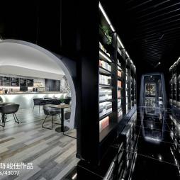 书店太空咖啡馆过道
