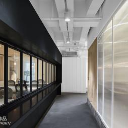 QIN沁集团办公空间走廊装修
