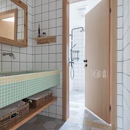 小空间现代卫浴设计图片