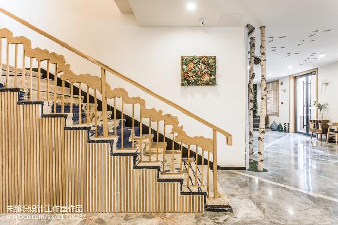 比坲利精品酒店楼梯设计效果图