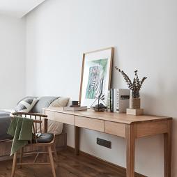 现代四居儿童房书桌设计图片