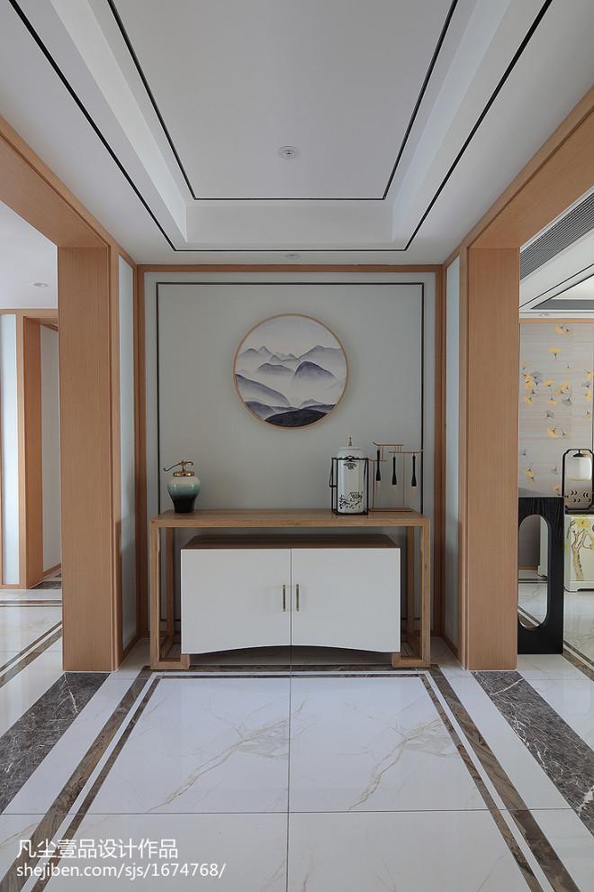 中式风三居玄关实景图