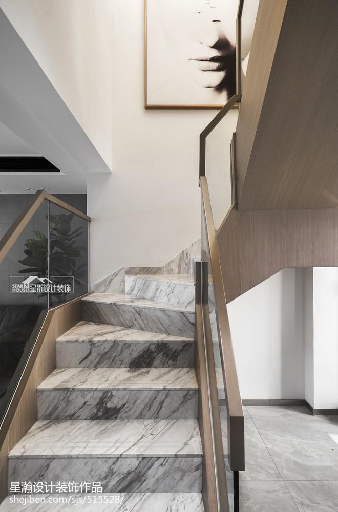 现代复式楼梯设计效果图