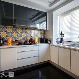 美式别墅厨房设计图片