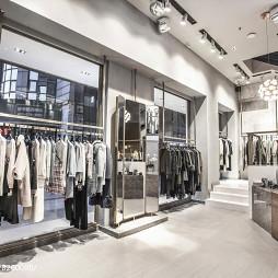 巴黎春天服装店展示区设计图片