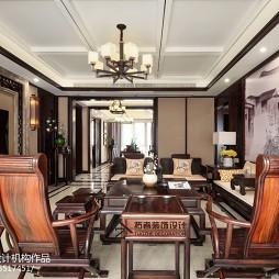 四居中式客厅设计实景图