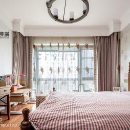 经典的美式主卧室设计图