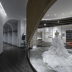 FORUS VISION服裝店展示區設計