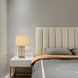 128m² 简约卧室床头灯设计