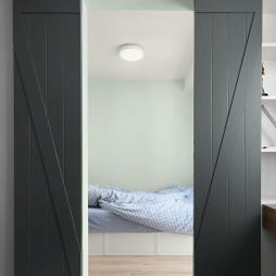 北欧风三居卧室谷仓门设计