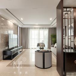 优雅中式客厅隔断设计图片