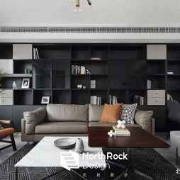 黑白现代客厅书柜设计图片