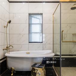 明快美式风别墅浴室设计