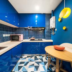 亮丽现代小户型厨房设计
