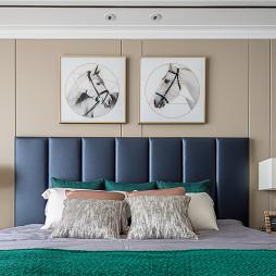 现代四居卧室背景墙设计