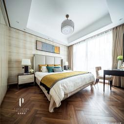 现代四居卧室吊顶设计