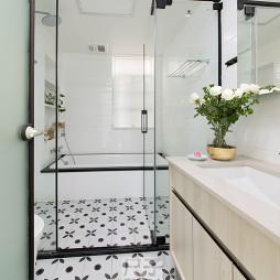 北欧风大宅浴室设计