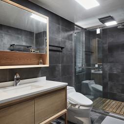北欧四居浴室实景设计