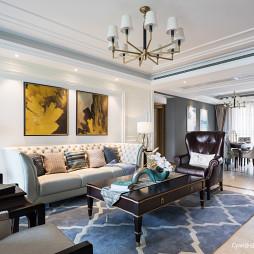 美式三居客厅家具设计