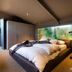 阁楼低语loft小户型卧室装修设计图