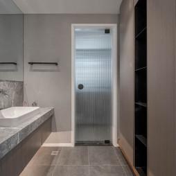 现代风格黑灰色调浴室