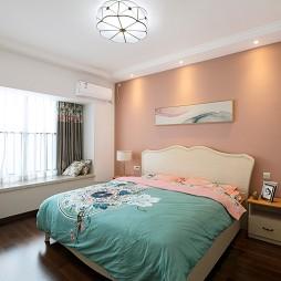 彩色简欧卧室设计