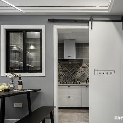 灰色系北欧风厨房谷仓门设计