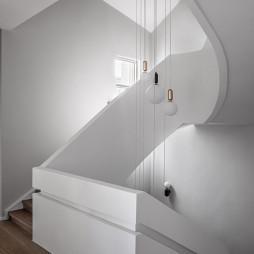 北欧别墅楼梯吊灯设计
