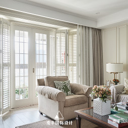 240㎡簡美客廳折疊門設計