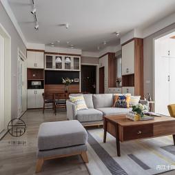 木色系北欧客厅沙发图